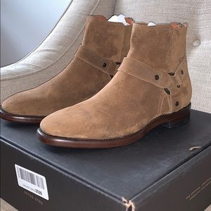 FRYE HARNESS BOOT CHESTNUT COLOR. BRAND NEW